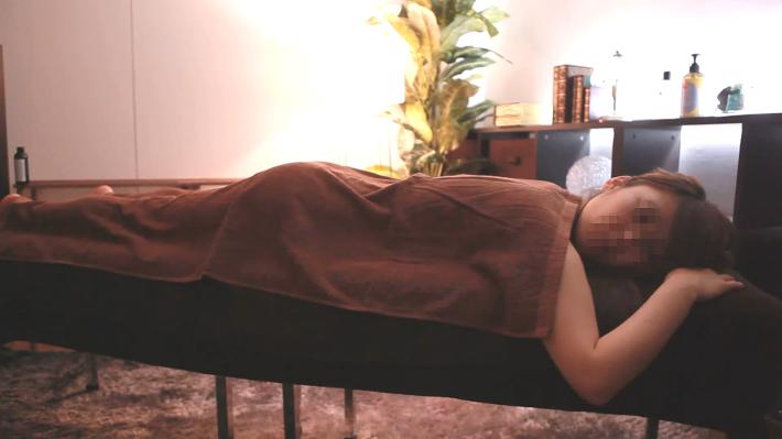 プラチナ級美人 - 【マッサージ】プラチナ級美人 清楚で童顔な巨乳ぅのパイパンパン!!!【個人撮影】
