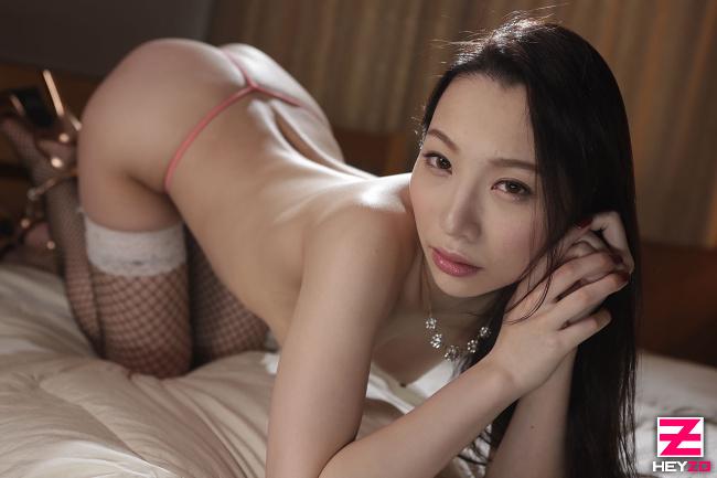 吉岡蓮美 妖艶すぎる美白美女 3