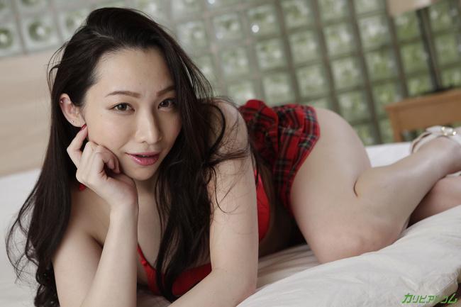 吉岡蓮美 女優の方から手当たり次第に襲いかかる中出しセックス 4