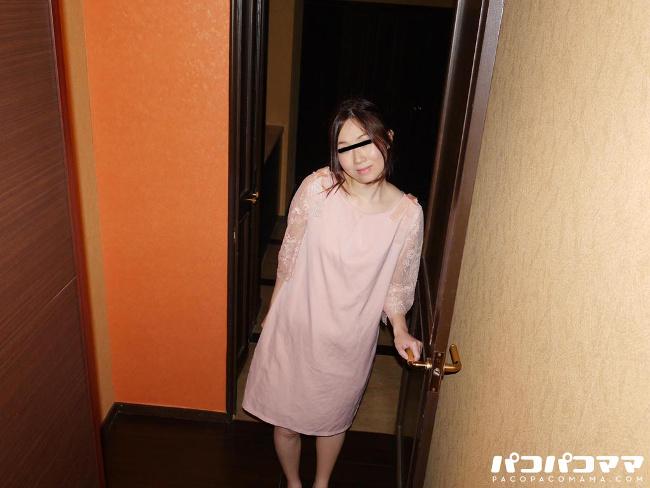 江口弘子 玄関先でスッポンポン 18 モチモチ肌のアラフォー奥さん 1