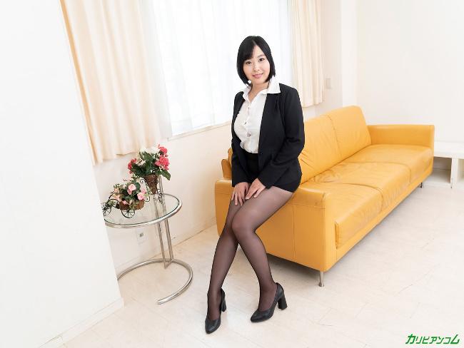 小川桃果 [VR] 美しい人に罵られたい 蒸れた黒パンスト美女が自ら激ピストンで勝手に絶頂 1