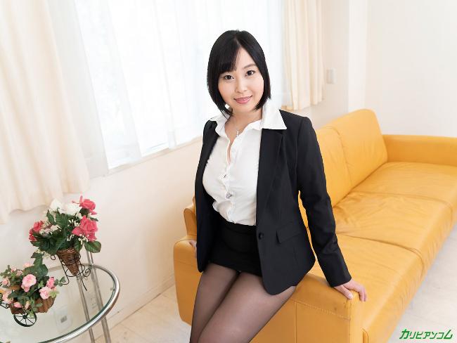 小川桃果 [VR] 美しい人に罵られたい 蒸れた黒パンスト美女が自ら激ピストンで勝手に絶頂 2