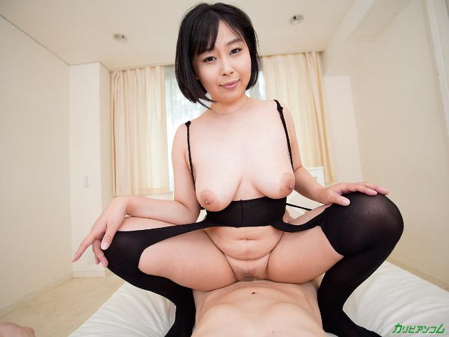 小川桃果 [VR] 美しい人に罵られたい 蒸れた黒パンスト美女が自ら激ピストンで勝手に絶頂 26