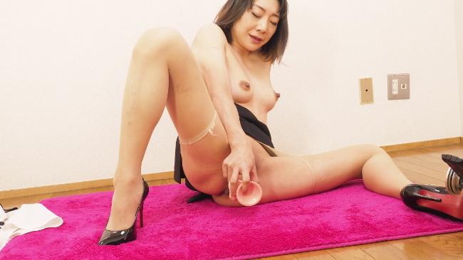 若林美保 女教師ディルドオナ 17