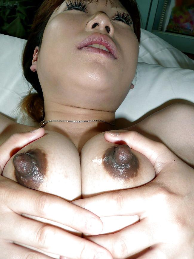 巨大乳首のエロス 12