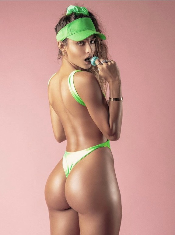 SOMMER RAY BUBBLE BUTTS AND SEXY FEET 16