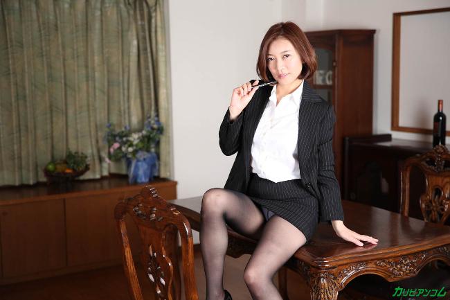 HITOMI 美熟女教師の本当に欲しいモノ カリビアンコム 3