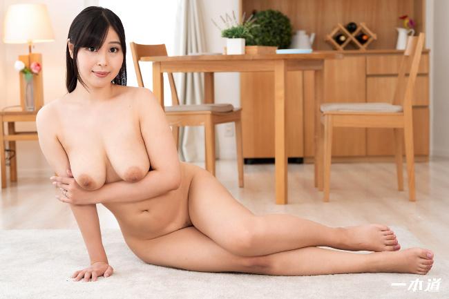 小川桃果 まんチラの誘惑 美味しそうな体をした友達のお母さん 一本道 10