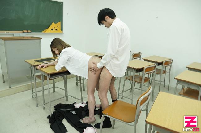身重な女教師はヤリたくて仕方がない!朝比奈菜々子 HEYZO 9